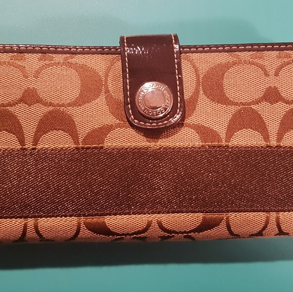 NWOT Coach wallet brn signature cloth /leather